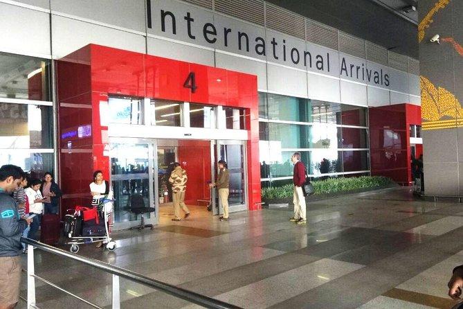 Private Transfer From Delhi Airport to Hotel in New Delhi