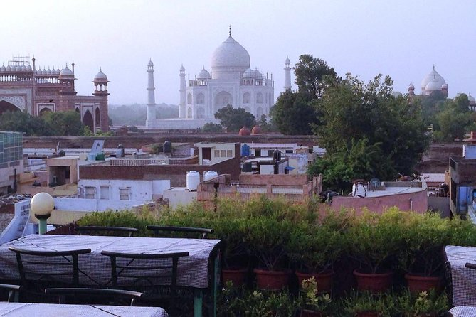 Private Walking Tour including Tajmahal Roof Top View