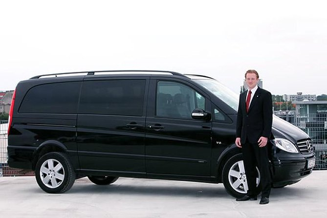 Istanbul Sabiha Gokcen Airport Transfer by Private Mercedes Minivan