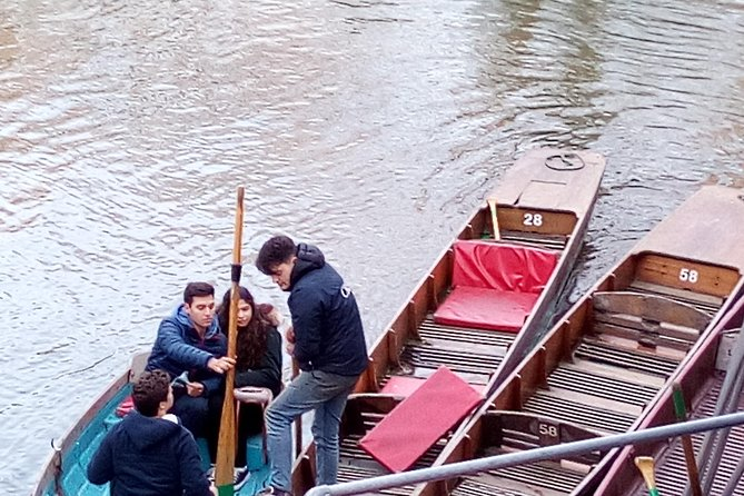 Walking Tour Combined with River Punting Rowing (2 hours plus)