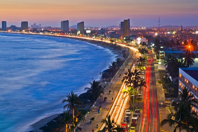 Mazatlan City Sightseeing Tour with Shopping Time and Lunch