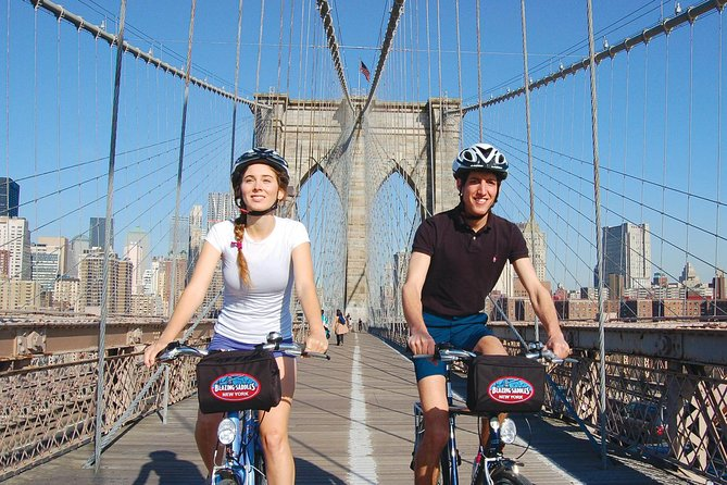 Brooklyn Bridge Bike Tour with Manhattan Skyline Views