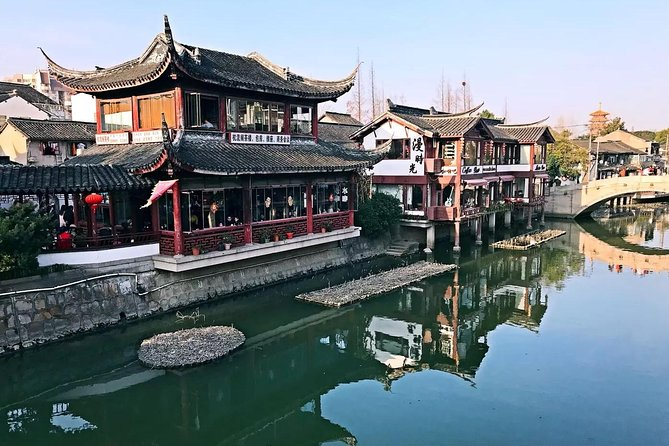 Shanghai Qibao Old Town Food Tour with Cricket Fighting Culture Experience