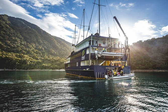 Milford Sound Mariner Overnight Cruise from Te Anau