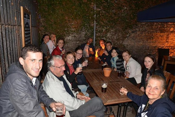 Authentic Oxford Pub Tour With Students
