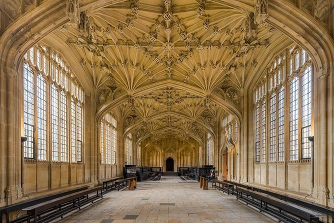 Harry Potter Walking Tour of Oxford Including Bodleian Library