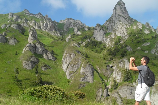 Day Hike in Carpathian Mountains for all levels in five areas