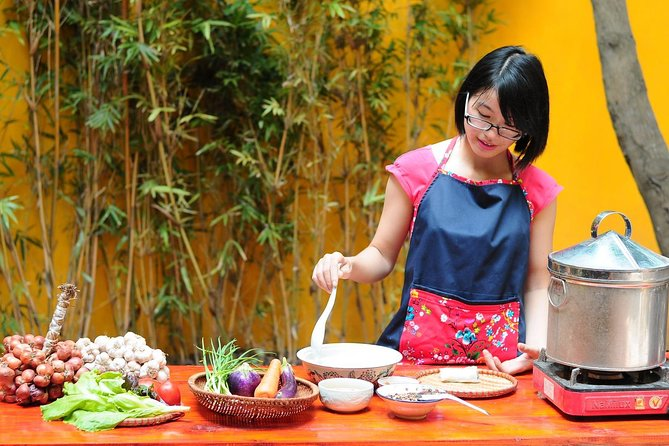 Half-Day Local Cooking Class by Bike in Hanoi