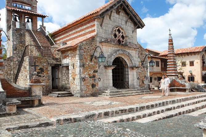 Saona Island and Altos de Chavon All-Inclusive Tour from Punta Cana