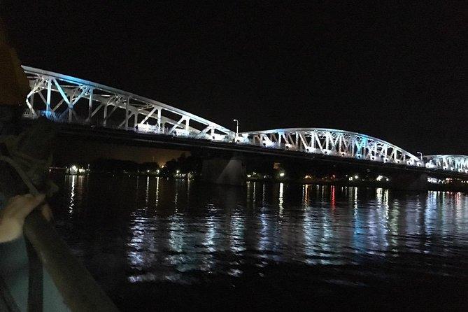 Hue : Enjoy Night City Cyclo Tour & Happy Dinner