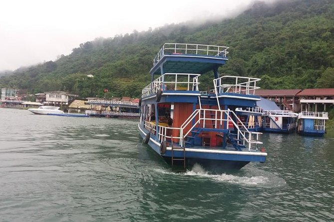 Visit salt factory and Nam Ngeum dam, lunch on boat (Full day)