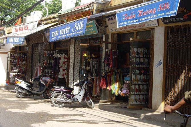 Half day Silk village tour