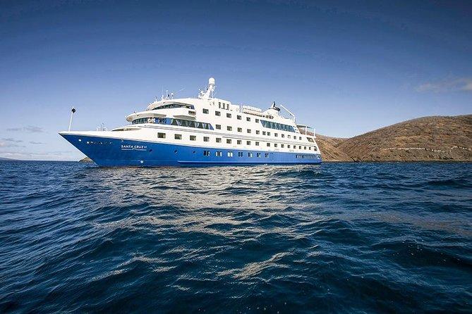 5-Day Galapagos Island Cruise: Western Itinerary Aboard 'Santa Cruz II'