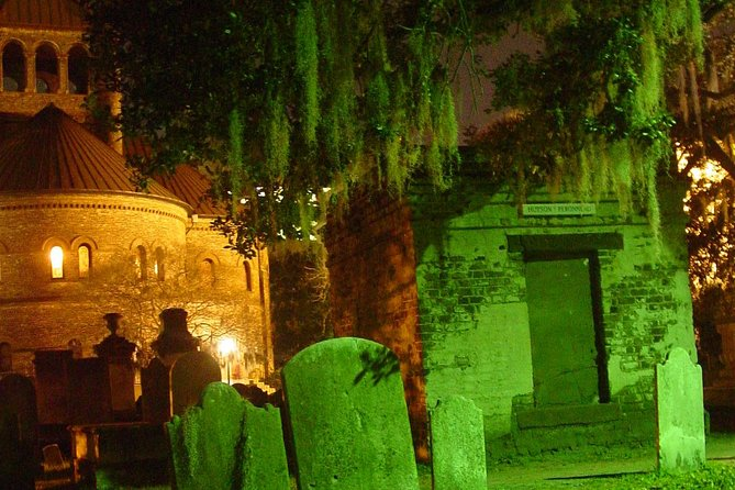 Charleston Ghost & Graveyard Night-Time Guided Walking Tour photo 9