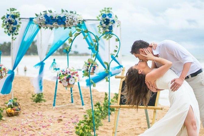 Western Style Beach Wedding Ceremony at Bentota Beach