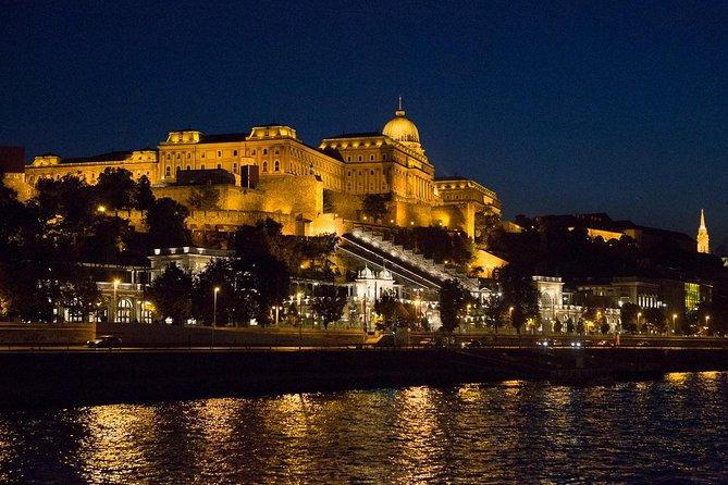Private Budapest Night Walking Tour & Boat Cruise