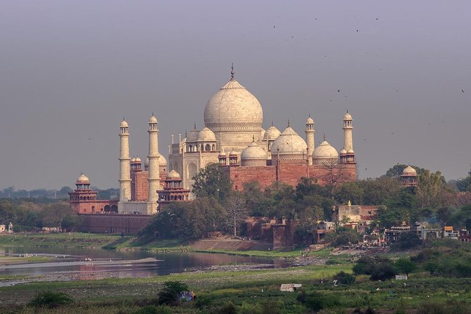 Agra Same Day tour from Delhi in a Private Car photo 2