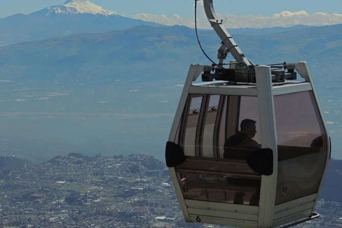 Cable Car and Quito Private City Tour
