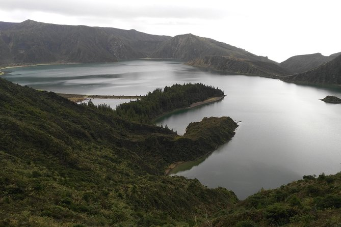 Lagoa do Fogo Half-Day Tour with Liquor Tasting
