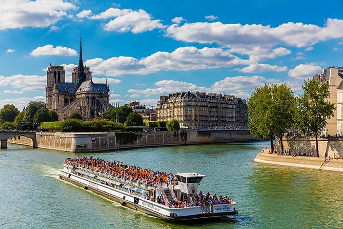 Bateaux Mouches 1-Hour Seine River Cruise with Champagne 2020 - Paris