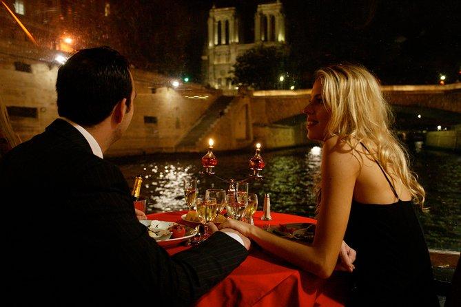Diga Sí en París: crucero de propuesta de matrimonio