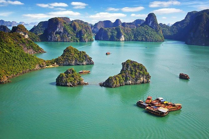 Private Halong Bay In Day photo 1