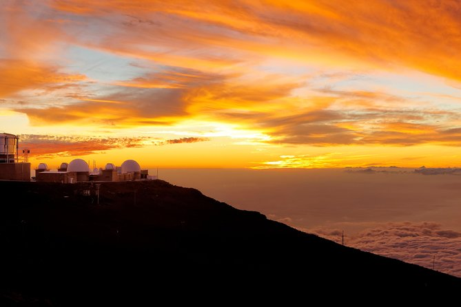 Haleakala Sunset Tour and Dinner with Pickup