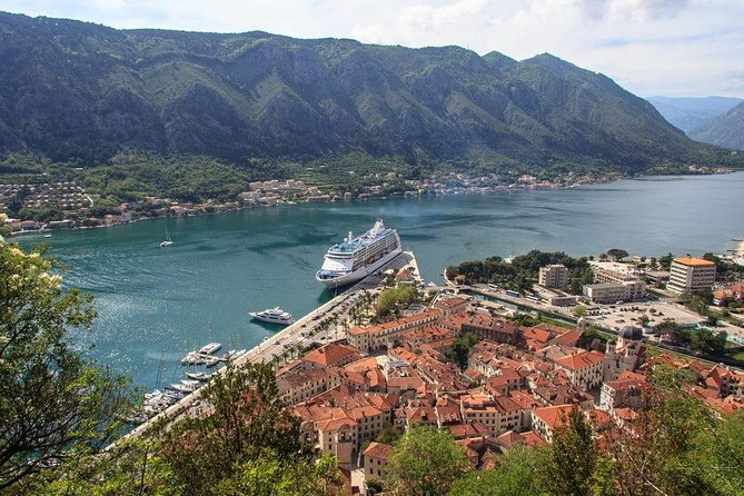 Private Tour: Perast and Njegusi Village Tour from Kotor