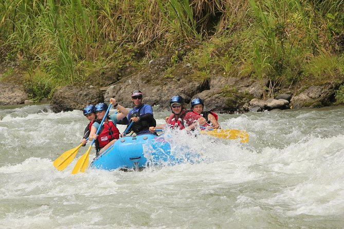 Pacuare River Rafting Expedition Class III-IV från San Jose
