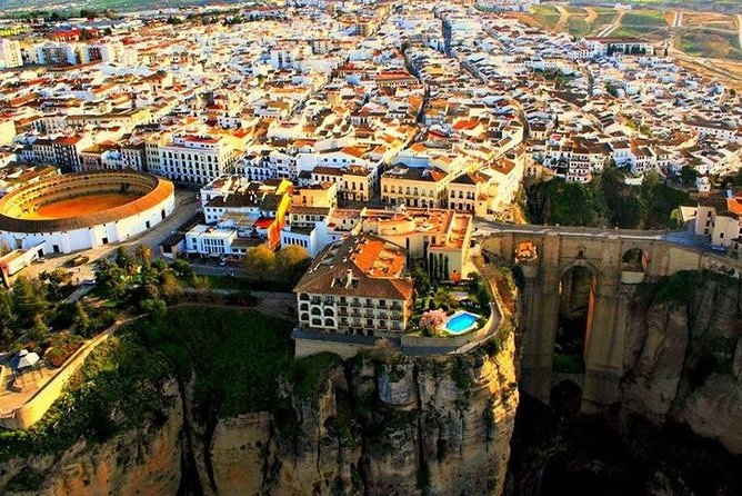 Ronda Historical Walking Tour with Bullring Entrance