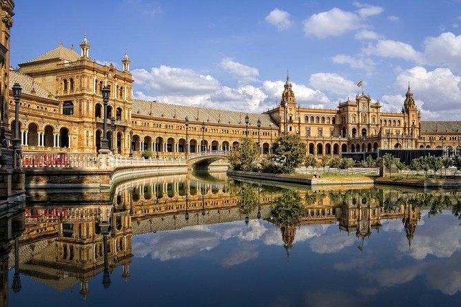 Wonderful Seville Guided Tour photo 1