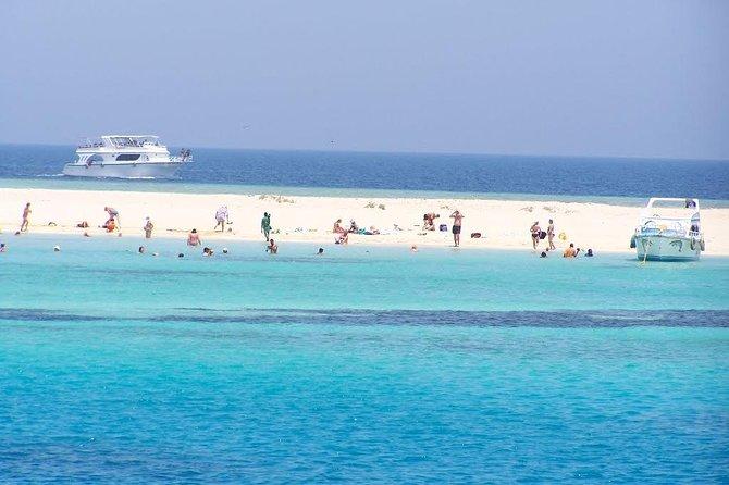 Full-day Utopia Island Boat Tour Hurghada