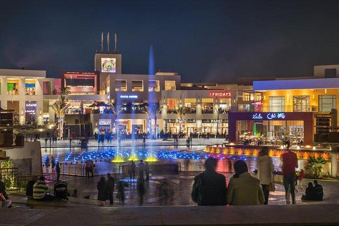 Nat shopping tur til festival by indkøbscenter