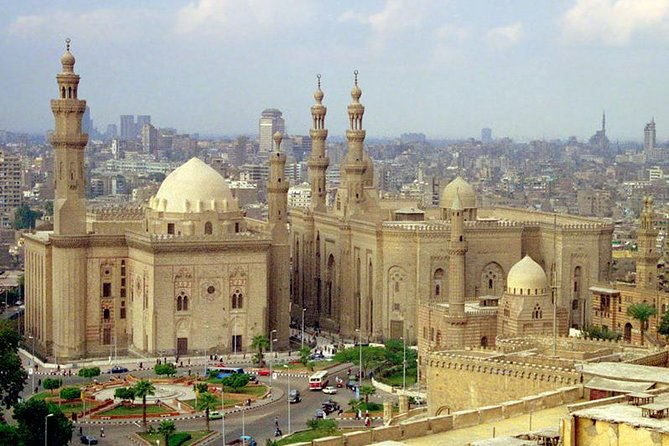 Half Day Tour to Sultan Hasan Mosque and El Rifai Mosque