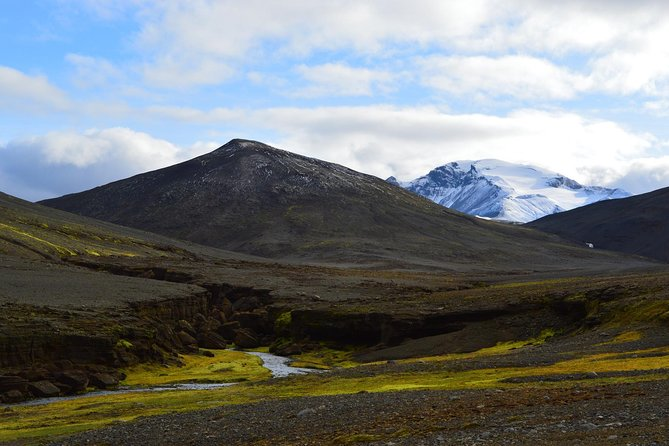 Full-Day Hike in the Vatnajokull National Park from Laugarfell