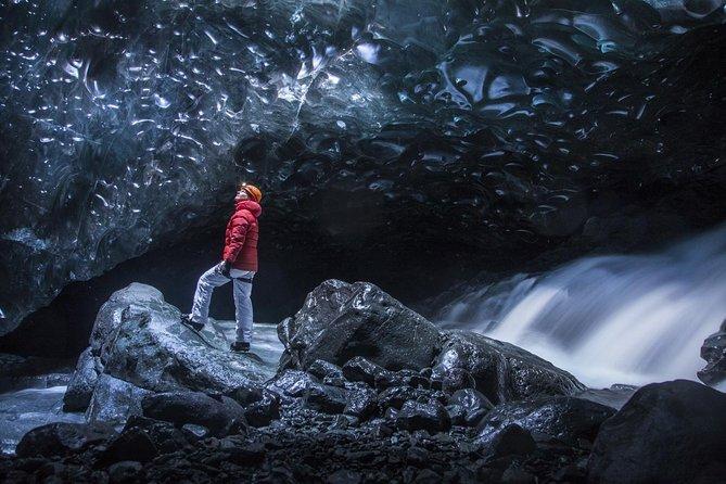 Aventura de 2 días en la aurora boreal y la cueva de hielo en la costa sur de Islandia