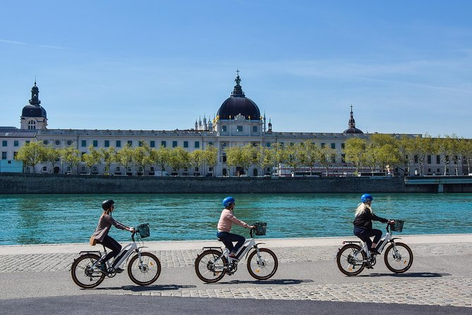Lyon Highlights - Electric bike Tour