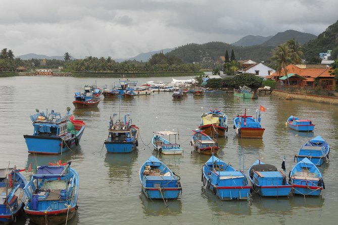 Discover Nha Trang bay by speed boat full day tour