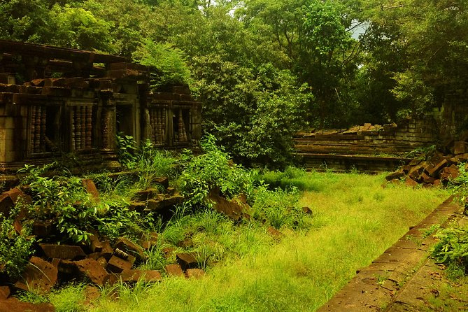 Beng Mealea Temple and Floating Village Day Trip from Siem Reap by Jeep photo 2