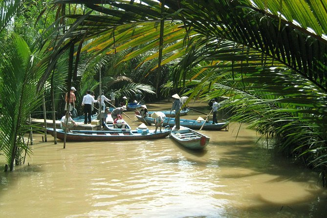 Private Tour: Mekong Delta Boat Cruise with Cu Chi Tunnels