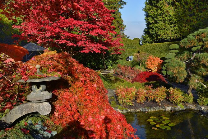 Butchart Gardens in the Fall, Shuttle & Entry