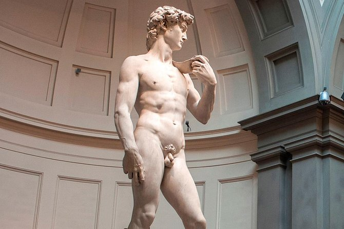 行をスキップするアカデミア美術館ガイド付き見学とフィレンツェウォーキングツアー