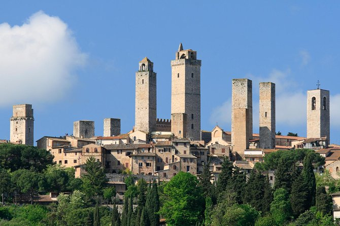 Siena, San Gimignano and Pisa: Fully Escorted Tour from Florence with Lunch