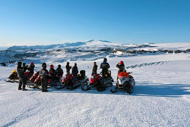 Excursión de un día en moto de nieve por la costa sur y el glaciar desde Reikiavik