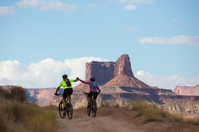 Canyonlands Mountain Bike Tour on the White Rim Trail photo 1