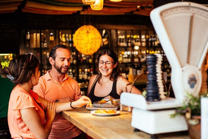 Tour de degustação de comida em Madrid com um especialista local