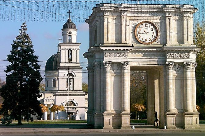 Chisinau Car City Tour and Cricova Winery