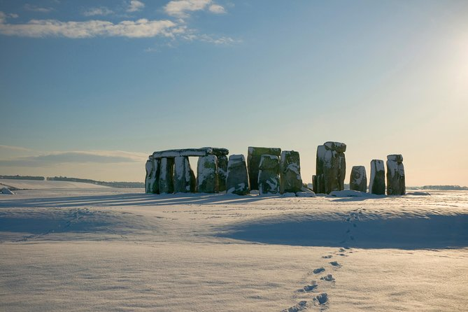 Boxing Day Tour from London: Windsor, Stonehenge, Bath and Lacock Including Lunch