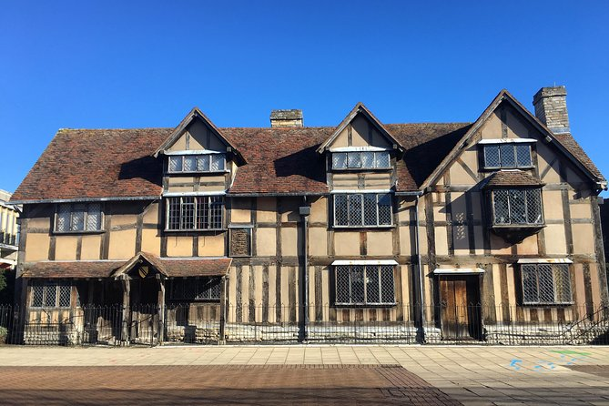 Oxford, Warwick Castle, and Stratford-upon-Avon Day Trip from London
