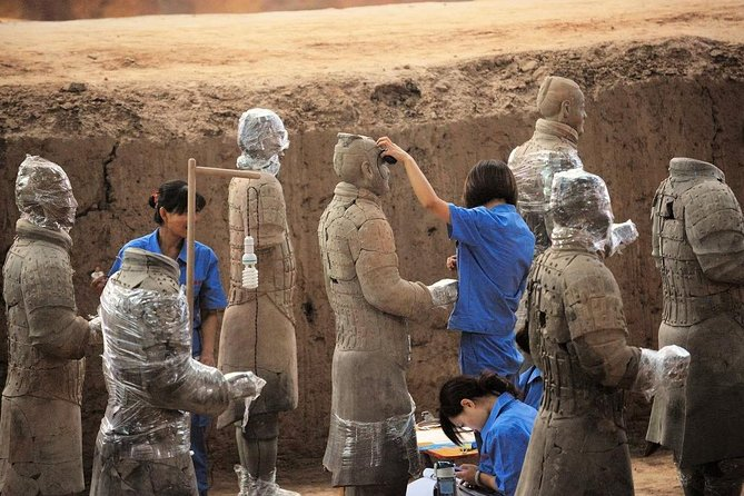 Terra cotta Warrior City Wall and Muslim Food Street Private Tour